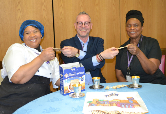 Richard munns  jewish cares head of catering with jewish cares sunjoy youngsam and mary greenaway listing